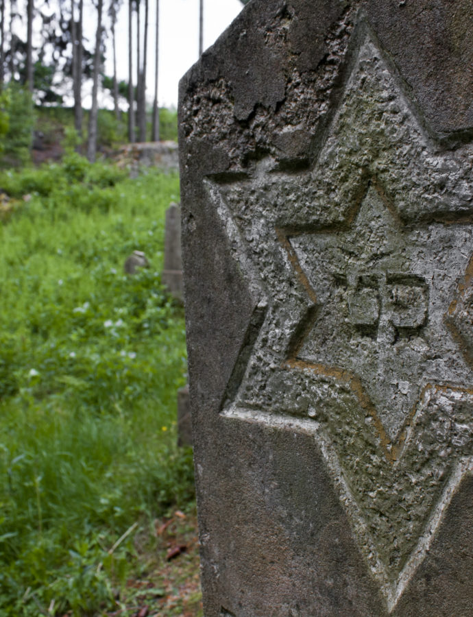 Čím se liší židovské náhrobky od křesťanských či jiných?
