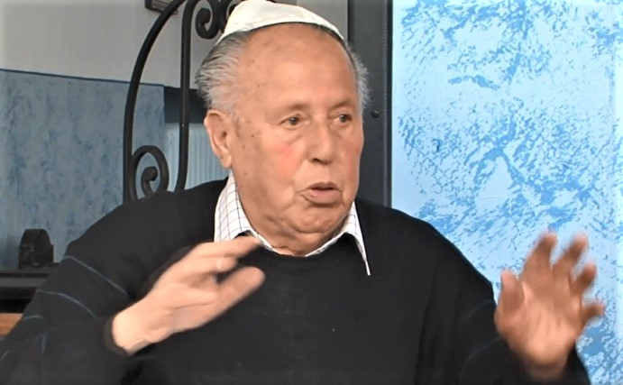 """""""Šil jsem nám palčáky, abychom nezmrzli, ale Nacisti nám je zakázali,"""" vzpomínal Karel Freund, přeživší Holocaustu"""